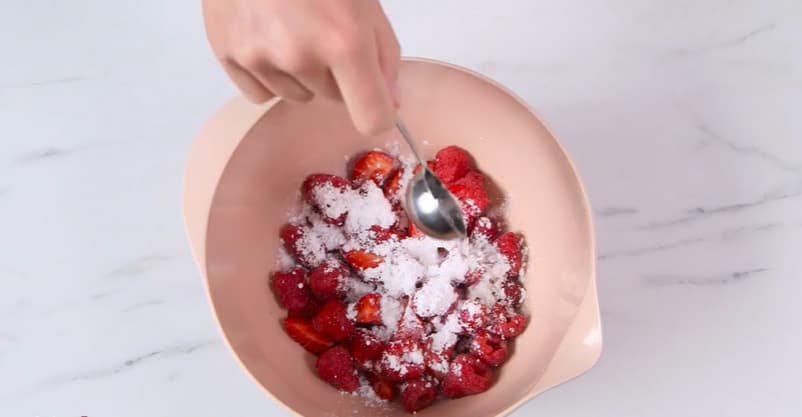 put half tablespoon rose water