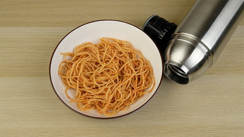 spaghetti noodles and thermos