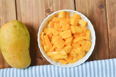 preparation of the mangoes