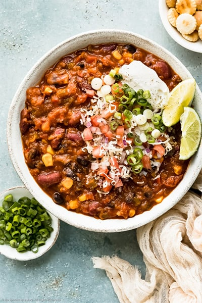 vegetarian chili with grains and beans